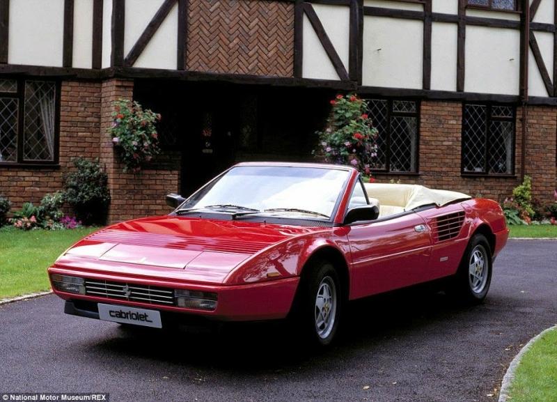 Во Франции нашли 60 редких автомобилей, забытых в гараже на 50 лет