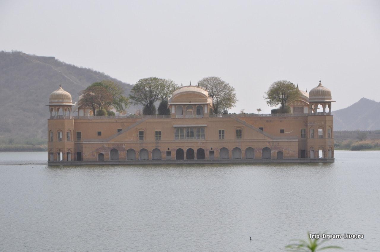 Джал Махал – дворец на воде в Джайпуре