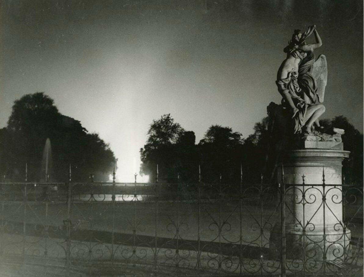 1933. Тюильри