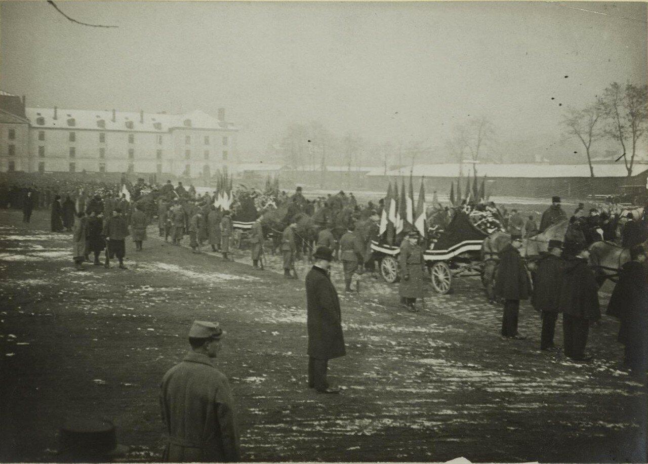 1916. 08 марта. Похороны жертв бомбардировки района Сен-Дени