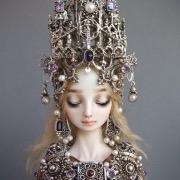 Кукла в короне