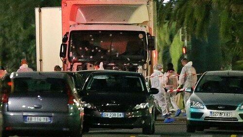Всети обнародовали кадры расстрела террориста из Ниццы