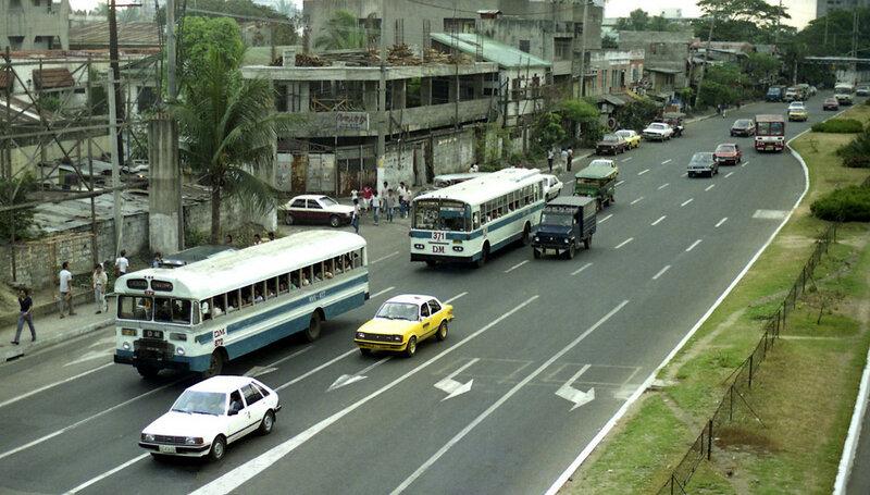 1986 Manila Senator Gil Puyat Avenue2.jpg