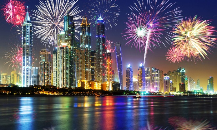 Новогодний салют в Дубае - масштабный и рекордный