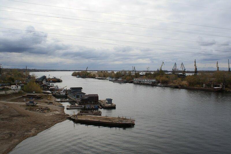 Изолятор №1 и мост 433.JPG