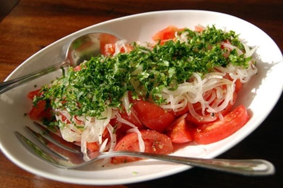 Салат из помидоров по чилийски
