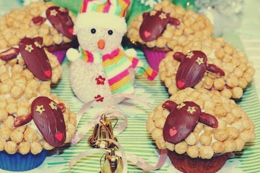 Новогодние кексы овечки