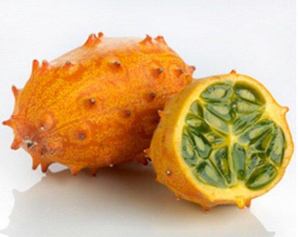 10. Кивано (Horned) Оболочка этого необычного фрукта покрыта колючками, похожими на рога. Но это не