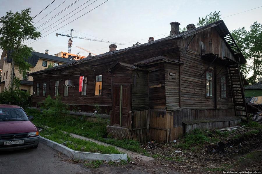 45. Ладно, хотите, покажу вам центр Архангельска? Может быть, вы думаете, что я специально где-то на