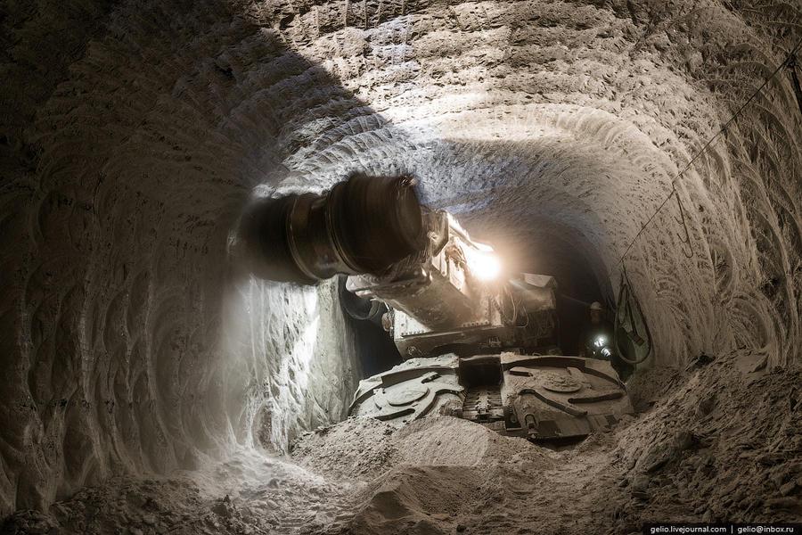 14. Объем добычи алмазов на руднике в 2013 г. составил более 2 млн. карат. Ресурсы (включая запасы)
