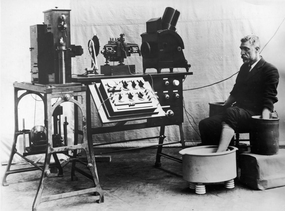 12. Маска от гриппа, 1919 год: