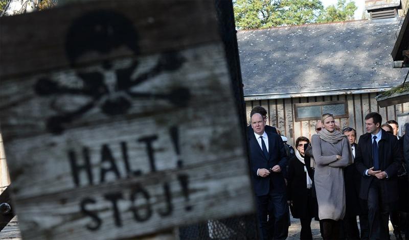 Освенцим Концлагерь в Освенциме превратился в ужасный музей холокоста. Тысячи посетителей стекаются