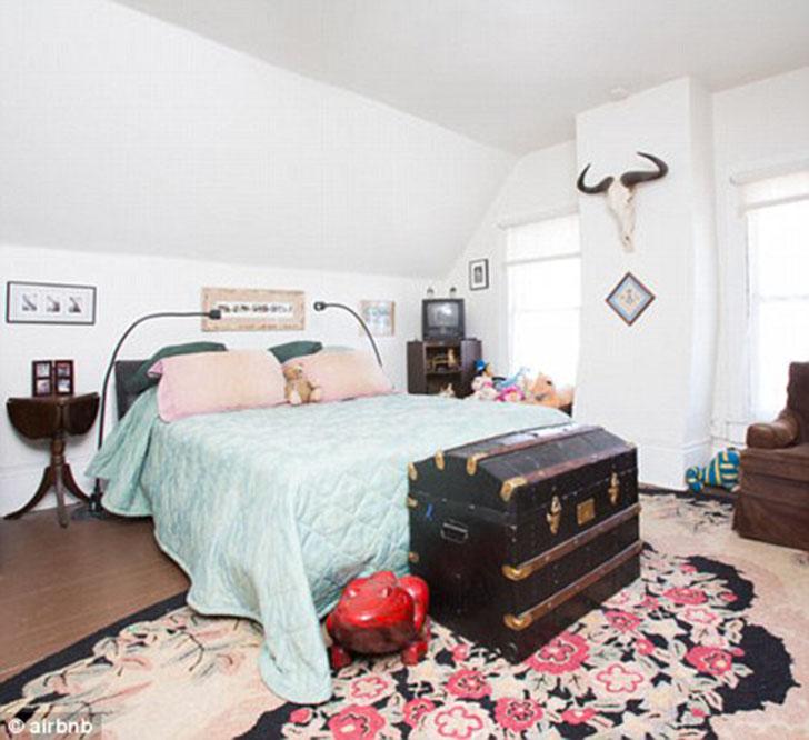 Эта квартира в Новом Орлеане выглядит миленько, но в заколдованной спальне любит появляться призрачн