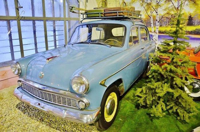 Самый крупный в мире музей советских автомобилей
