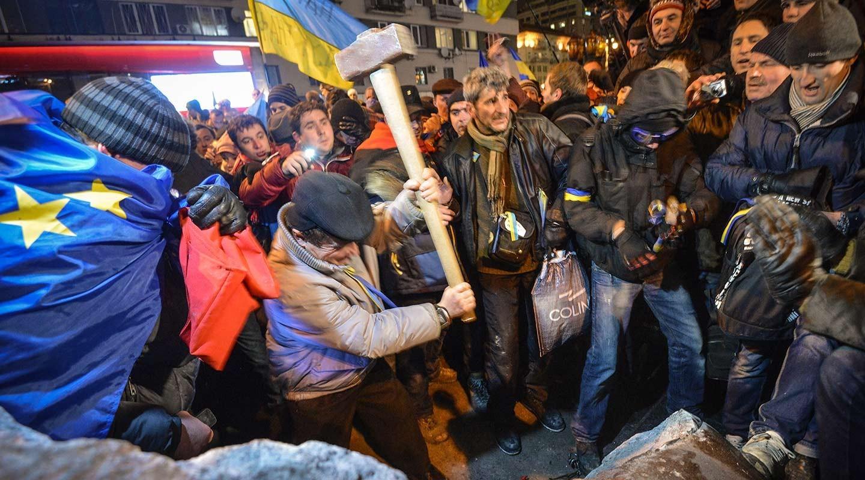 Почему РПЦ не призывает к демонтажу Мавзолея и памятников Ленину
