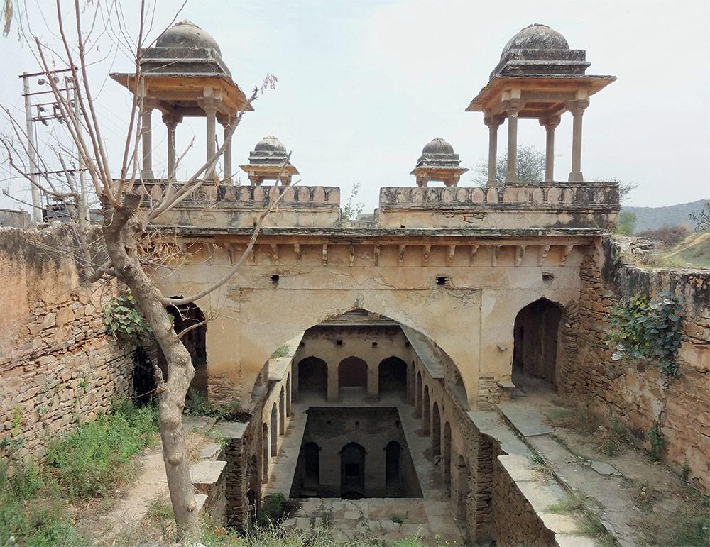 Mukundpura Baoli. Mukundpura, Haryana c. 1650.