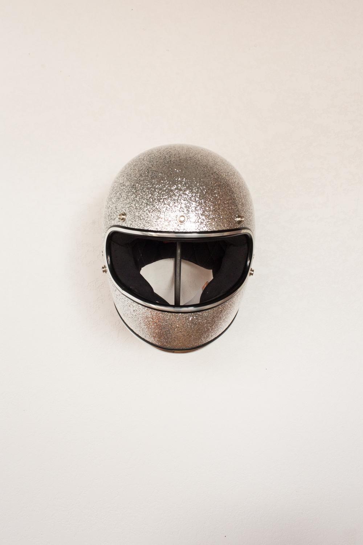 Walnut & Iron - вешалка для шлема