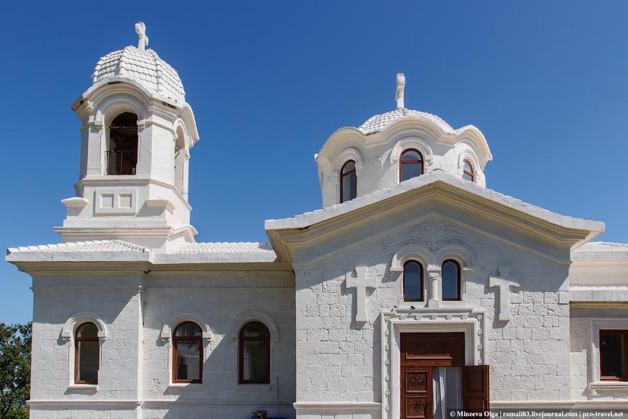 Лаки. Крымская Хатынь и греческий храм