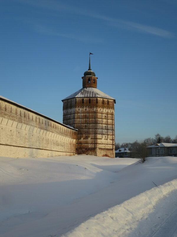 Кирилло-Белозерский монастырь. Северо-восточная стена и Вологодская башня (26)