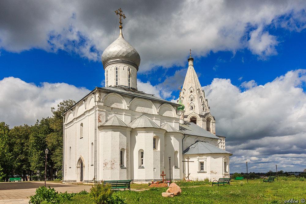 Переславль-Залесский, Свято-Троицкий Данилов мужской монастырь, Троицкий собор с Даниловским приделом и колокольней