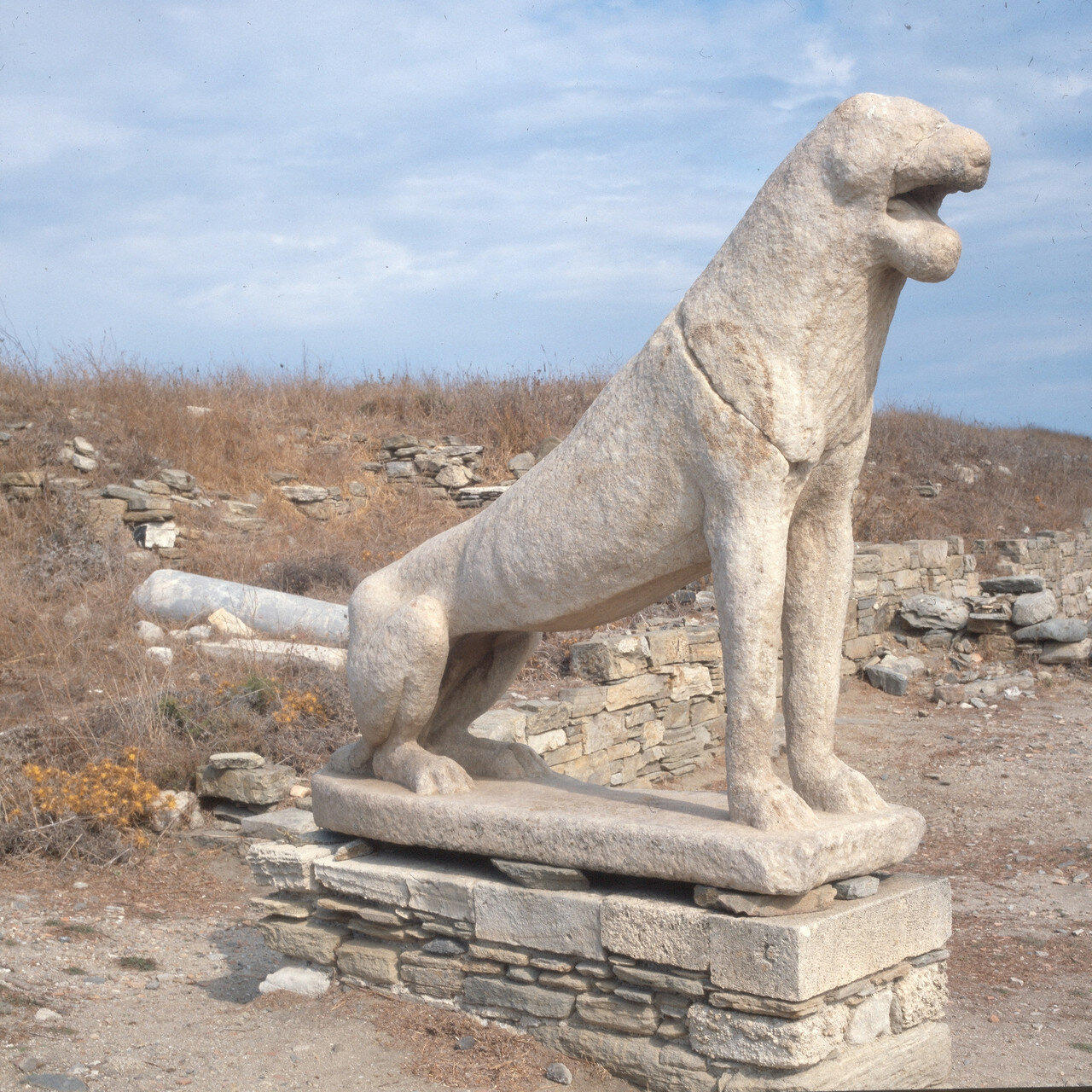 Делос. Лев, VII в.до н.э. На древнем пути процессий к Святому Престолу
