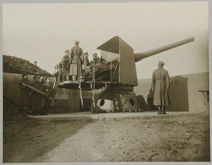 Прислуга 152 мм орудия Канэ.