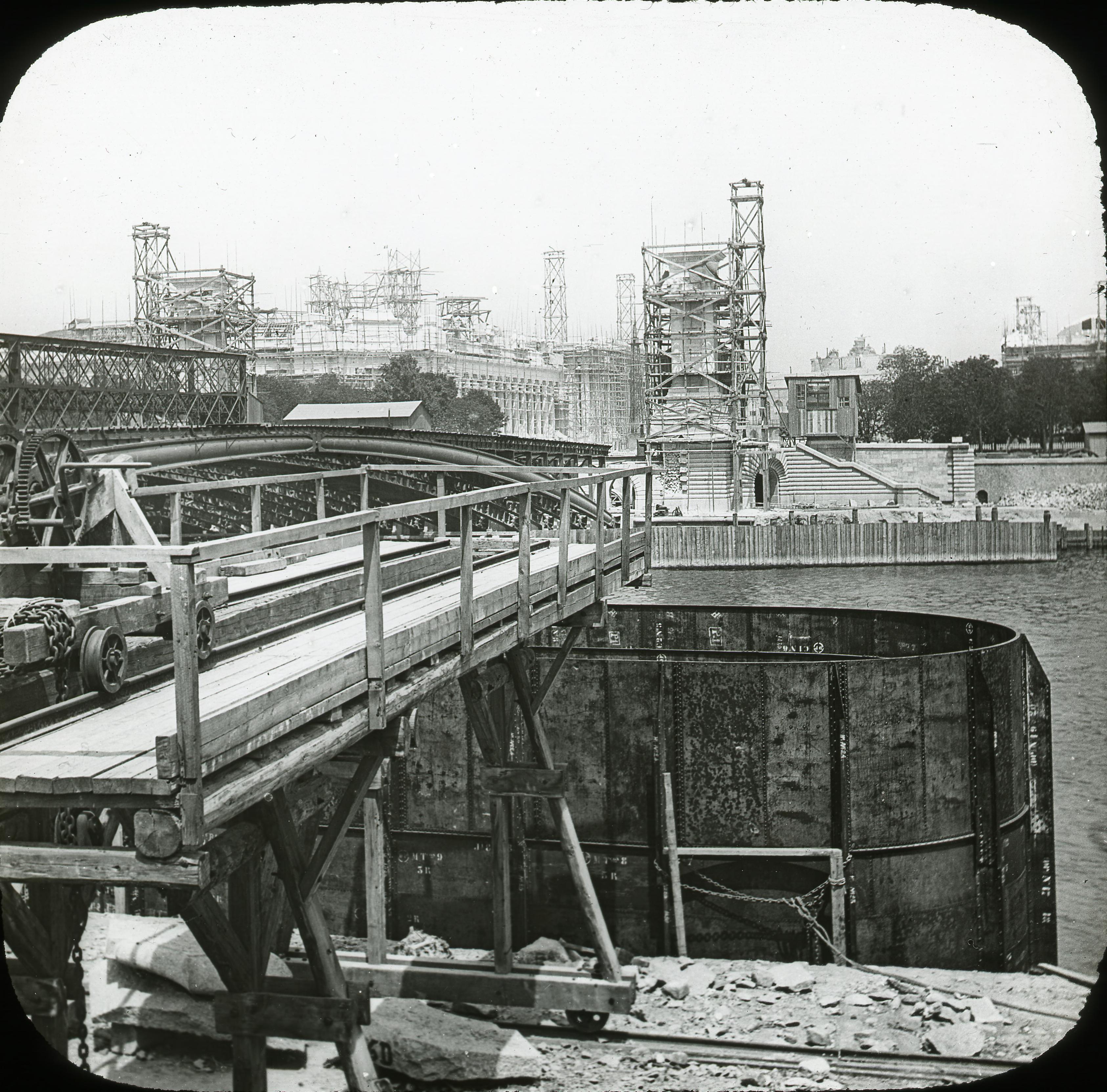 Строительство моста Александра III, Большого и Малого дворцов