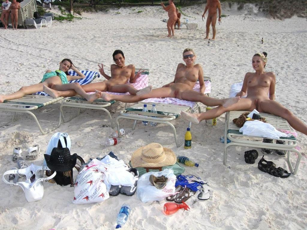 нудизм на пляже фото