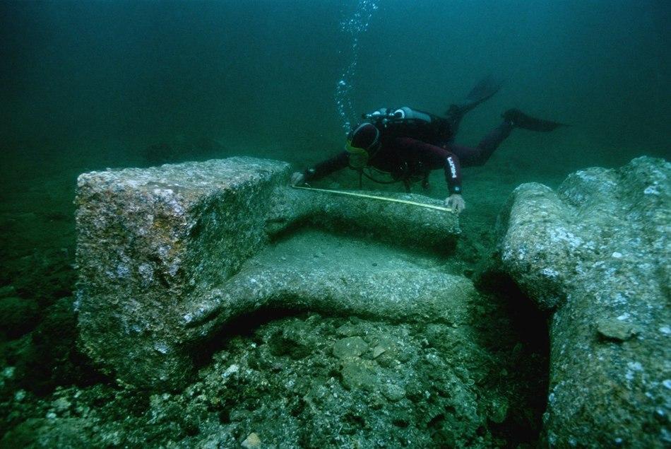Гераклион располагался в устье Нила и был небольшим процветающим городом, а его жители были людьми у