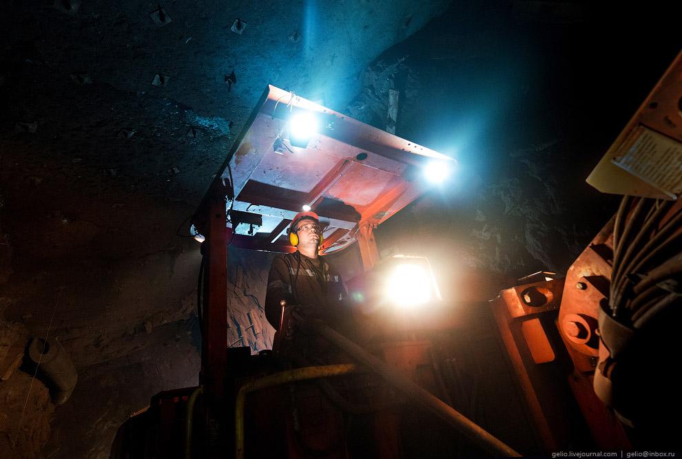 11. Для того, чтобы поддерживать в шахте стабильную температуру (+7 градусов), а главное, запол