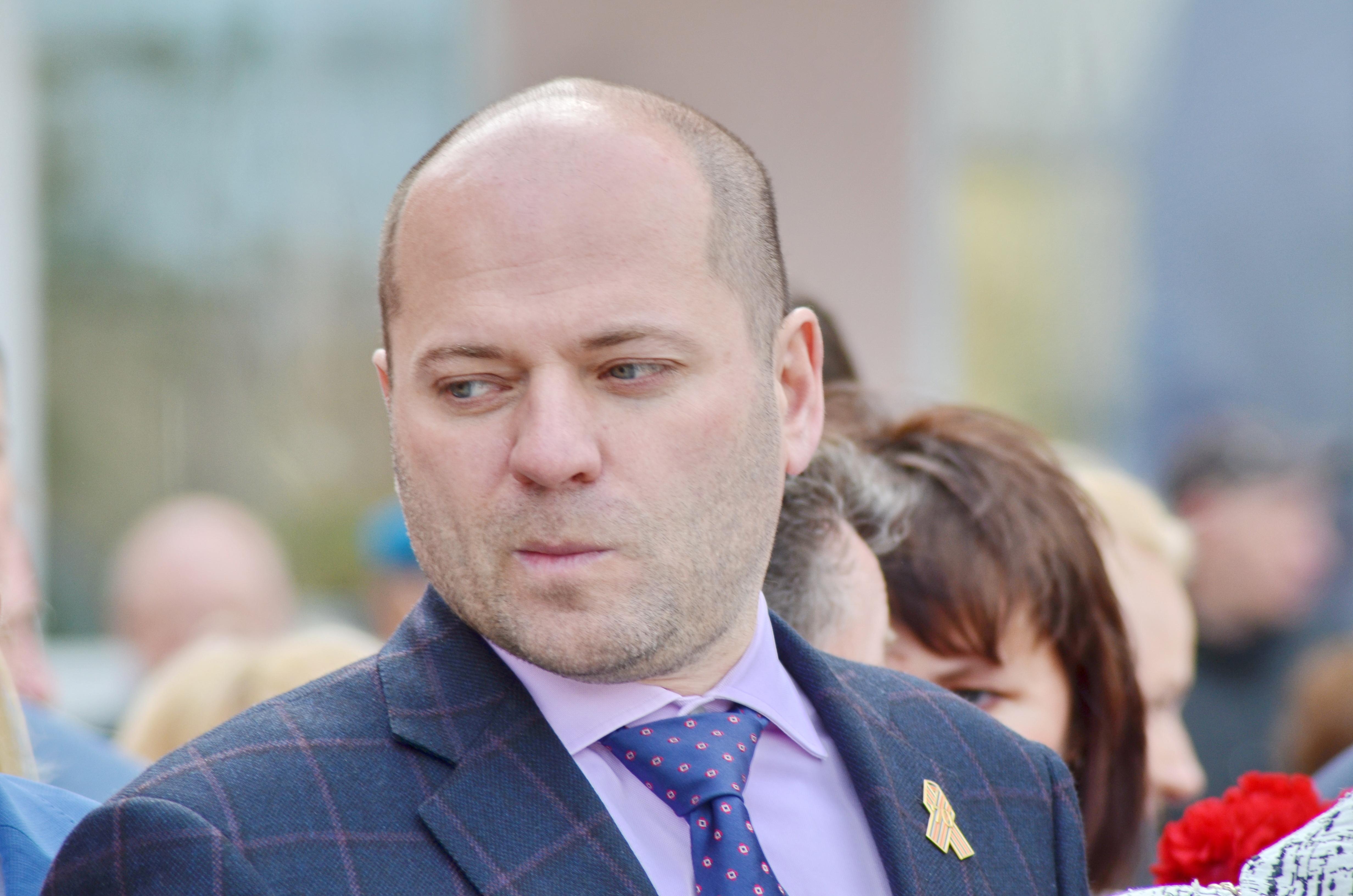 Депутат, призывавший граждан России менее питаться, попался нафальшивом дипломе
