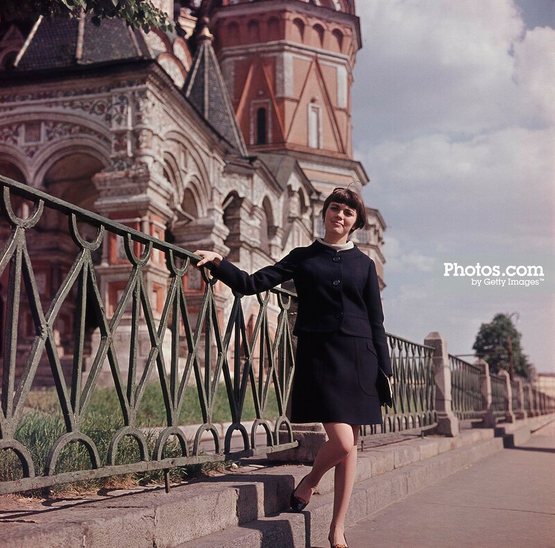1967 Mireille Mathieu In Moscow by Keystone-France.jpg