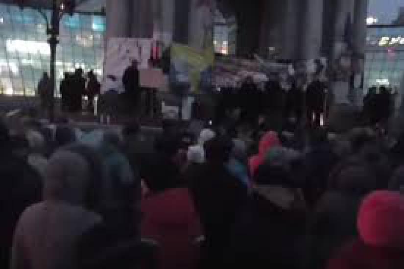 Россияне установили палатку и флаг на нейтральной полосе в районе пункта Каланчак. ВИДЕО