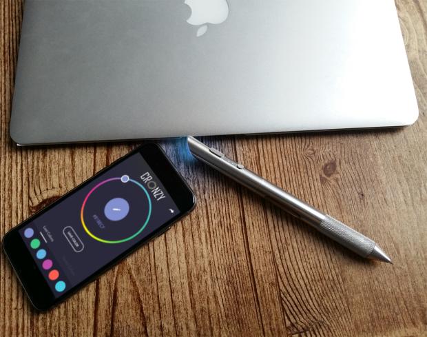 Cronzy Pen - ручка, пишущая разными цветами