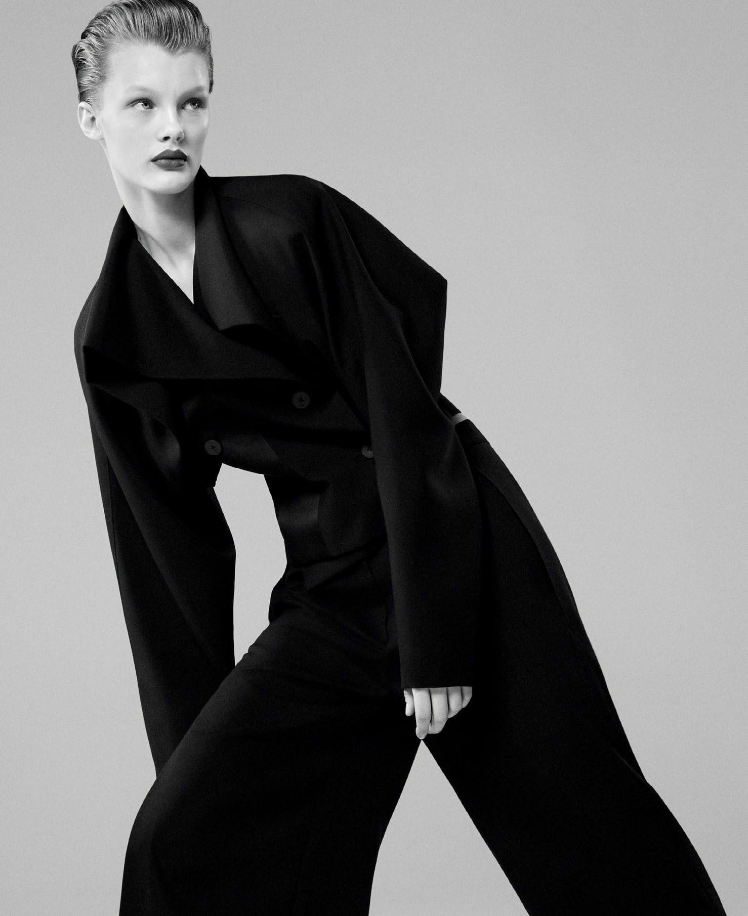 Кристина Грикайте в фотосъёмке Дэниела Джексона для китайского Vogue, май 2017 1