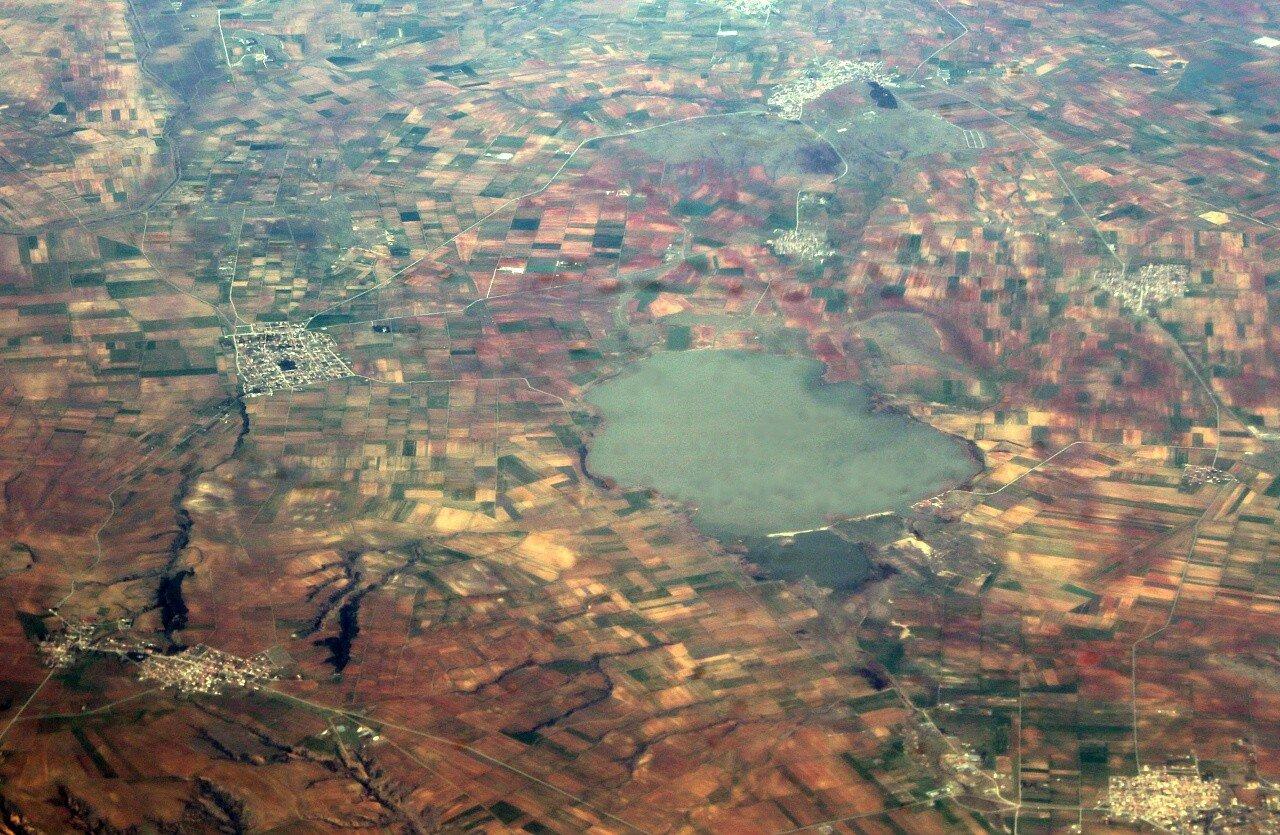 Озеро Пикролимни. Вид с самолёта