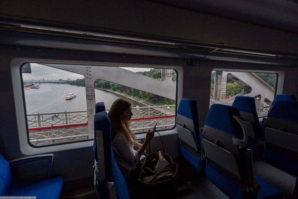 12. Станция «Гагаринская площадь».