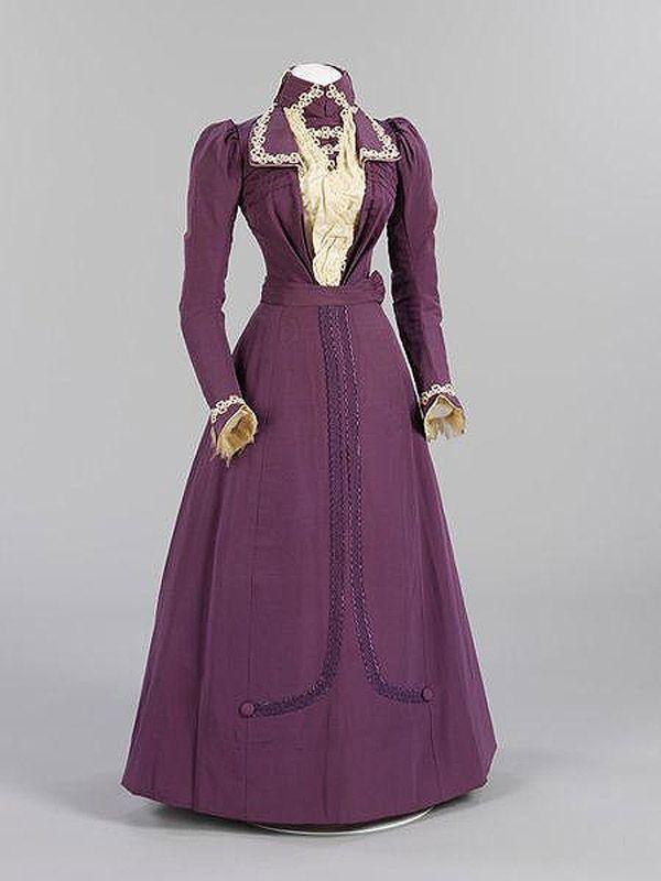 23. 1899 г. Англия. 35-летняя невеста Гариэт Джойс сочла белое платье неуместным в ее возрасте и выб