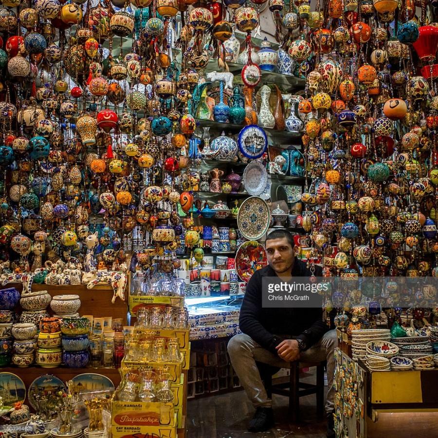 1. Вы можете потратить часы в магазине Хасана Aязгока, чтобы посмотреть всю традиционную турецкую по