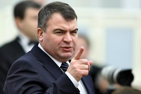 Сердюков стал председателем 2-х комитетов ввходящей в«Ростех» компании
