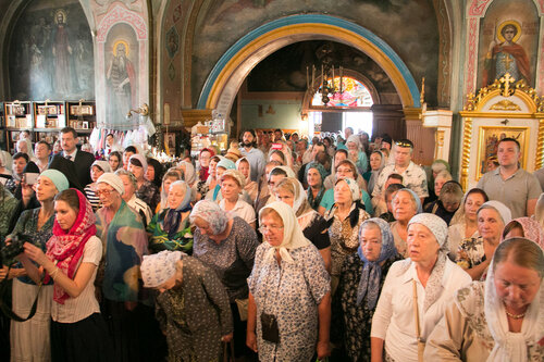 Епископ Зарайский Константин провел в Боголюбском храме в Красногорске службу в честь его 150-летия
