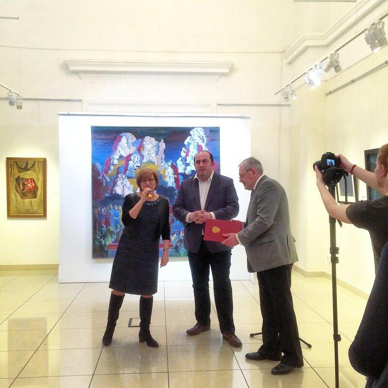В пятых. Выставка Новичкова