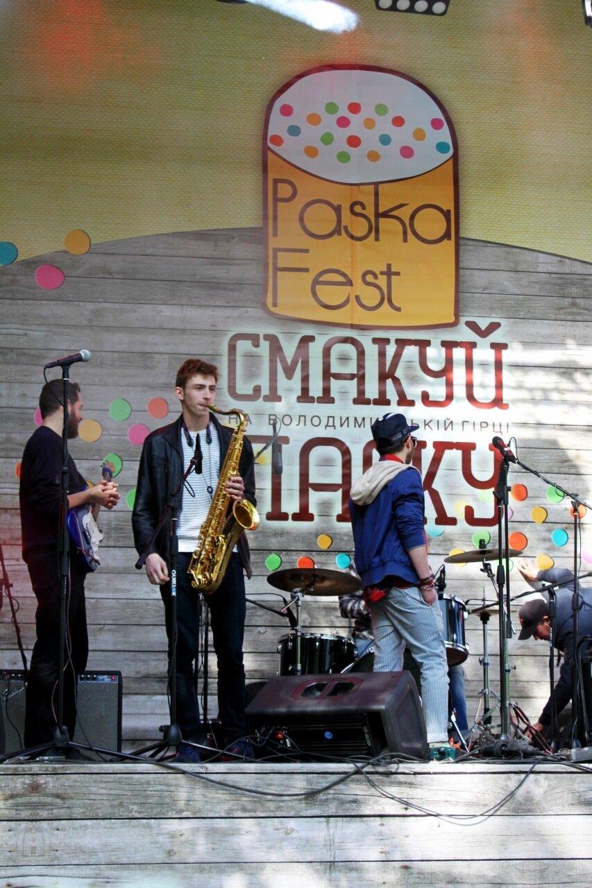 Музыканты на сцене