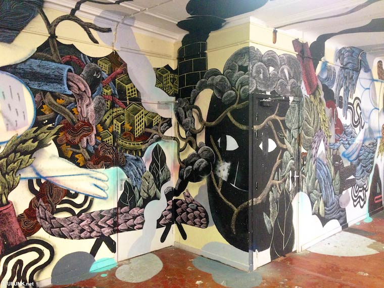Aux Tableaux ! - A massive and awesome street art project in an abandoned school