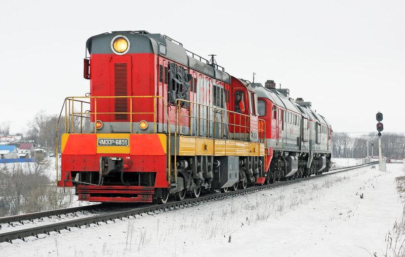 ЧМЭ3-6851 и 2М62У-0091 на перегоне Залегощь - Дишня, светофор