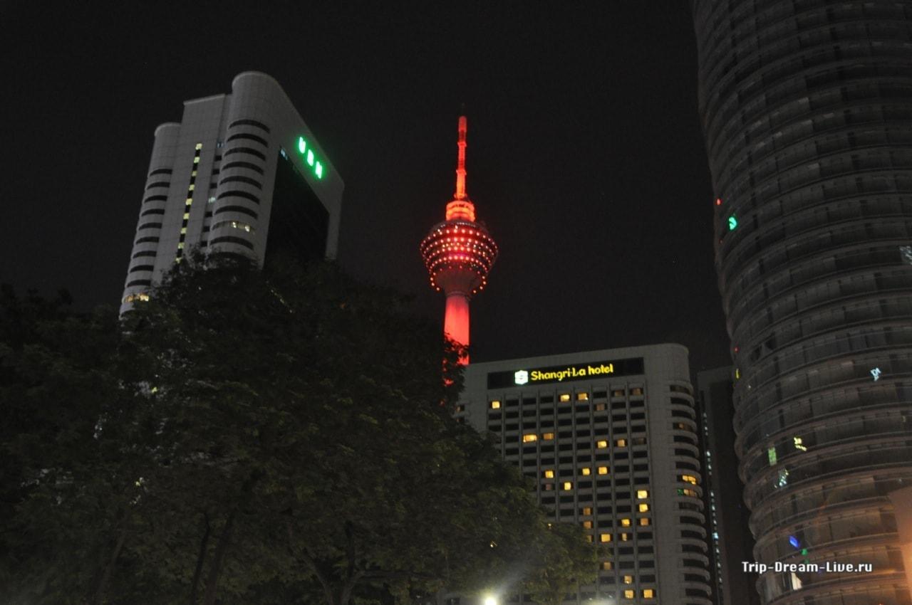 Menara Tower ночью