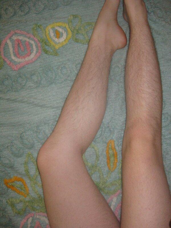 Небритые волосатые женские ноги.jpg