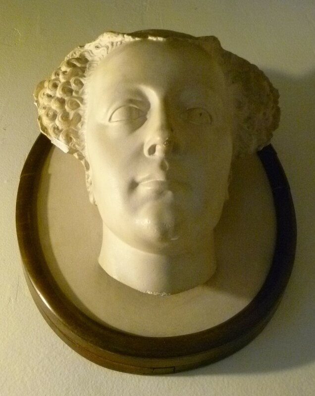 Queen_Mary_death_mask_copy,_Falkland_Palace.JPG