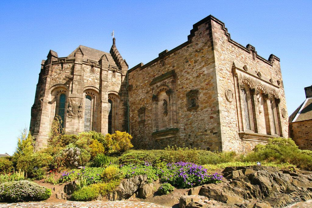Edinburgh-Castle-St-Margarets-Chapel.jpg
