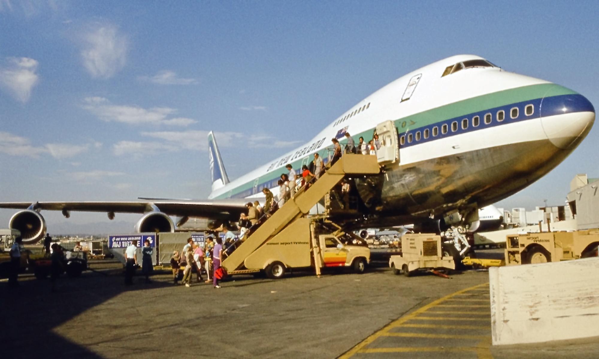 Boeing 747-200. Фото: Neil Pulling